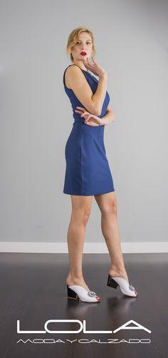 Summertime, tanto de día como de noche, disfruta de tu vestido.  Pincha este enlace para comprar tu vestido azul en nuestra tienda on line:  http://lolamodaycalzado.es/primavera-verano-17/1411-salsa-117041.html