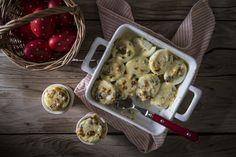 Αυγά γεμιστά με μανιτάρια και μπεσαμέλ Cauliflower, Brunch, Eggs, Chicken, Meat, Vegetables, Cooking, Food, Kitchen