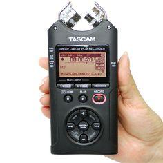 Este é o modelo da Tascam, um líder mundial em equipamentos de áudio de alta fidelidade: DR-40. Com este gravador você tem flexibilidade necessária para registro de som em qualquer lugar.