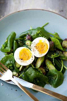 Miner's Lettuce with Soft Egg and Asparagus / The Year in Food