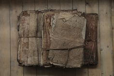 Old rough books Zou, Bellatrix, Red Dead Redemption, Indiana Jones, Old Books, Old Paper, Altered Books, Bookbinding, Wabi Sabi