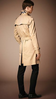 Burberry The Wiltshire - Long Heritage Trench Coat