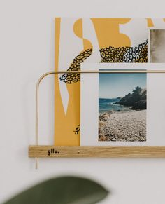 étagère photo polaroid illustration Support Photo, Handmade Decorative Items, Photo Polaroid, Poses, Decoration, Sweet Home, Illustrations, Wood, Template