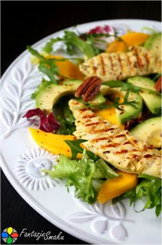 Sałatka z grillowanym kurczakiem, awokado i mango Avocado Toast, Zucchini, Grilling, Salads, Mango, Sweets, Chicken, Vegetables, Breakfast