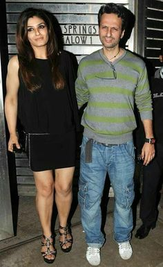 Ravina Tandon with . Bollywood Oops, Bollywood Actress Hot, Beautiful Bollywood Actress, Beautiful Indian Actress, Bollywood Celebrities, Raveena Tandon Hot, Karena Kapoor, Deepika Padukone Hot, Lara Dutta