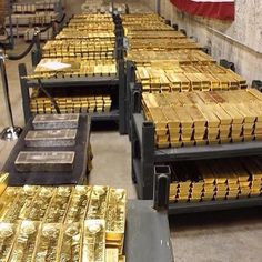Rich Lifestyle, Luxury Lifestyle, Wealthy Lifestyle, Gold Bullion Bars, 3d Modelle, Money Stacks, Gold Money, Billionaire Lifestyle, Kota Bharu