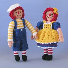 Raggedy Ann & Andy are so wonderful. Sue Pendleton from Bluebeary Treasures offers this new twist on an old classic with a great crocheted pattern.