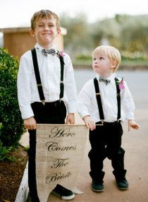 """cute ring bearers with """"here comes the bride"""" sign"""