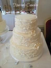 Simple ruffle cake