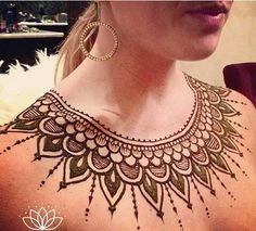 In this article we mentioned the descriptiona bout the Mehndi Design for Chest, Henna Design for Chest. Henna Tattoo Hand, Henna Body Art, Henna Tattoo Designs, Henna Mehndi, Mehendi, Henna Mandala, Mandala Tattoo, Mandala Art, Mehndi Designs 2018