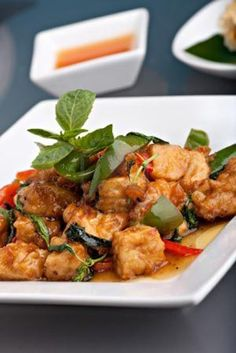 Fried Tofu with basil and chili: Stir-fry Tofu with vegetables