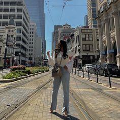 "Fatima Aqil Lifestyle Blogger on Instagram: ""Split hem pants, my new obsession 🙃 @abercrombie #abercrombiejeans"" Abercrombie Jeans, How To Hem Pants, Blogger Style, Lifestyle, Instagram, Fashion, Moda, Fashion Styles, Fashion Illustrations"