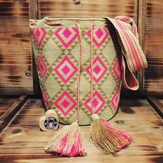 Perfect #ngo #❤️ #wayuu #style #ethicalfashion #indigenousrights #ootd #love #mochila #fblogger #fashion #fashionblogger #칠라백 #와유백 #독특한 #排他的 #獨家 #퓨전 #融合 #聚變 #애정 #愛 #愛 #귀엽다 #可愛い #taiwan #china #wayuulovers #zürich #handmade