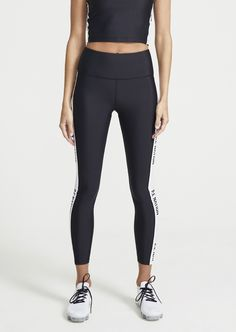 Update your wardrobe with our wide range of athleisure leggings, tights, pants and trackpants. Free Throw, Monochrome Color, Hot Shorts, Sustainable Fabrics, Fashion Colours, White Fashion, Workout Wear, Sports Women, Fit Women