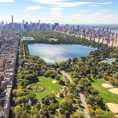 This happened today in Central Park: worlds biggest peace sign made entirely from people! #yokoono #peace