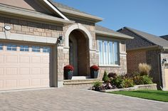 Versatile Finesse stone can be used as a focal point, an architectural feature or a surround for a spectacular effect. Masonry Veneer, Architectural Features, Brickwork, Canning, Mansions, Stone, Architecture, House Styles, Building