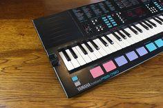 Yamaha PSS-780 Mini Keys Synthesizer Keyboard 1980's Musicstation