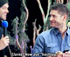 Helping big bro. XD I love how Jensen just goes all serious, like he really has to focus. <---Awwwww! <3