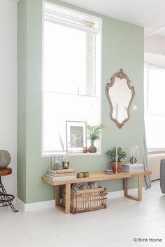Restyling van een wandje in mijn woonkamer met de trendkleur groen