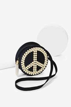 Vintage Moschino Peace Pearl Bag | Shop Shop All at Nasty Gal #peace #streetstyle