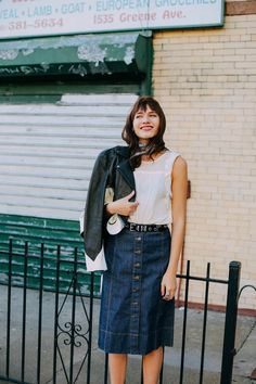 we'll wear what she's wearing[[MORE]]natalie suarez catching some fall sun in our denim a-line skirt. Demin Skirt Outfit, Skirt Outfits, Edgy Outfits, Cool Outfits, Fashion Outfits, Skirt Images, Athleisure Outfits, Denim Fashion, Style Guides