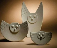 Hoot howl family for a family project! Ceramic Birds, Ceramic Animals, Clay Animals, Ceramic Clay, Clay Owl, Clay Birds, Clay Clay, Hand Built Pottery, Slab Pottery