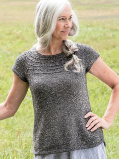 Derecho is a seamless tee knitting pattern. It's knitted in the round from the top down. There's a free knit along for this sweater project, too! Sweater Knitting Patterns, Knitting Stitches, Knit Patterns, Free Knitting, Clothing Patterns, Knit Sweaters, Knitting Kits, Summer Knitting, Knit In The Round