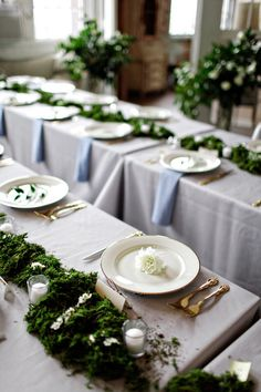 moss table decor.