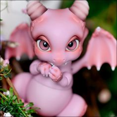 Aileen Doll - Rot in pink- ball jointed....dragon?