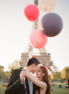 Chic Paris Engagement Shoot With Two Vera Wang Wedding Dresses | Weddingomania