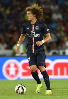 David Luiz, one of the best center backs in the world!!