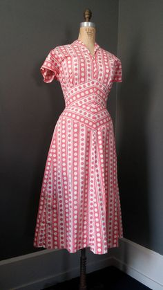 1940s Circle DOTS Dress Salmon Pink Darling cap sleeves, shawl collar, flattering wide waist tailoring, with a slightly full skirt. Side waist metal