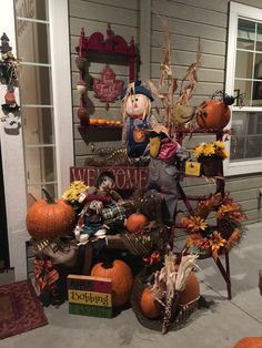 Fall Displays, Autumn Display, Bobbing For Apples, Porch Decorating, Wreaths, Halloween, Home Decor, Balcony Decoration, Decoration Home