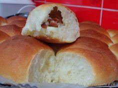 Danubio - Petits pains briochés garnis de jambon et fromage.  Garniture au choix.