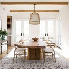 Best Farmhouse Dining Room Lighting Ideas – Modern Home Dining Room Design, Dining Room Furniture, Home Interior, Interior Design, Interior Modern, Modern Exterior, Kitchen Interior, Style Deco, Dining Room Inspiration