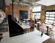 Modern coffee bar design cafe and coffee shop interior and exterior Coffee Bar Design, Coffee Shop Interior Design, Cafe Interior, Modern Interior, Design Food, Design Ideas, Design Design, Design Elements, House Design