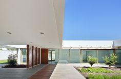AMADIP Center / Juan Alba + Ester Morro