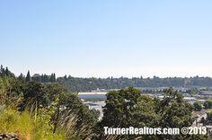 Another view of the neighborhood of St. Johns in Portland, Oregon. Portland Neighborhoods, Columbia River, Portland Oregon, Small Towns, The Neighbourhood, University, Community, Mountains, Park