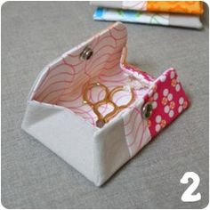 Gleeful Things » Tutorial Round Up: Sewing Projects