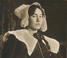 Die Kunst in der Photographie : 1899 Photographer: James Craig Annan Title: Portraitstudie