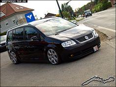 Black VW Touran Best Small Cars, Volkswagen Touran, Seat Alhambra, Diesel Cars, Porsche, Automobile, Vans, Minivan, Witch