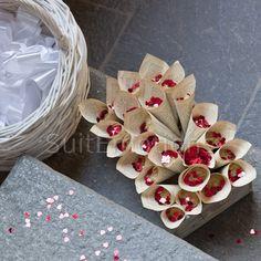 Suitemotions - Organizzazione eventi su misura Wedding Planner, Gift Wrapping, Wedding Ideas, Gifts, Wedding Planer, Gift Wrapping Paper, Presents, Wedding Planners, Wrapping Gifts
