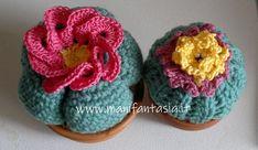 Piante grasse ad uncinetto tonde-cuscino della suocera - manifantasia Crochet Cactus, Knit Crochet, Lana, Shapes, Knitting, Crocheting, Flowers, Kids, Handmade