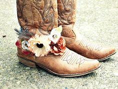 A little bit boho style. bracelet for your cowboy boots. vintage. hippy. boho Really kinda cute... Love it