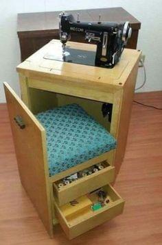 Mesa de Máquina de Costura Compacta