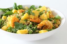 Quinoa-salade-met-garnalen-en-mango-eetclean.nl_ Clean Lunches, Lunches And Dinners, Meals, Healthy Lunches, Lunch To Go, Lunch Box, Convenience Food, Eating Habits, Superfood