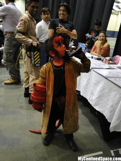 Hellboy Kid Cosplay ..this kid is awesome!