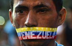IlPost - Caracas, Venezuela, 23 febbraio 2014 (RAUL ARBOLEDA/AFP/Getty Images) - Caracas, Venezuela, 23 febbraio 2014 (RAUL ARBOLEDA/AFP/Getty Images)