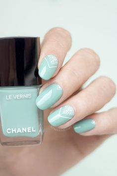 Nails of the Day: Neapolitan Lace with Chanel Verde Pastello