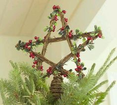 Yule Star tree topper--want to make this. Woodland Christmas, Noel Christmas, Christmas Tree Toppers, Country Christmas, Winter Christmas, Christmas Wreaths, Christmas Crafts, Christmas Ornaments, Pagan Christmas Tree